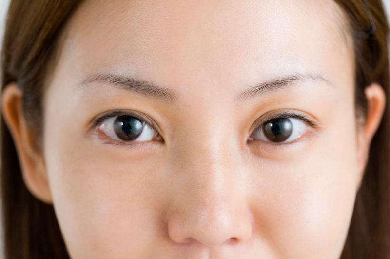 表情ジワ 眉間のシワを伸ばすお手軽道具「サージカルテープ」 | 40代のシワを消す化粧品 ほうれ